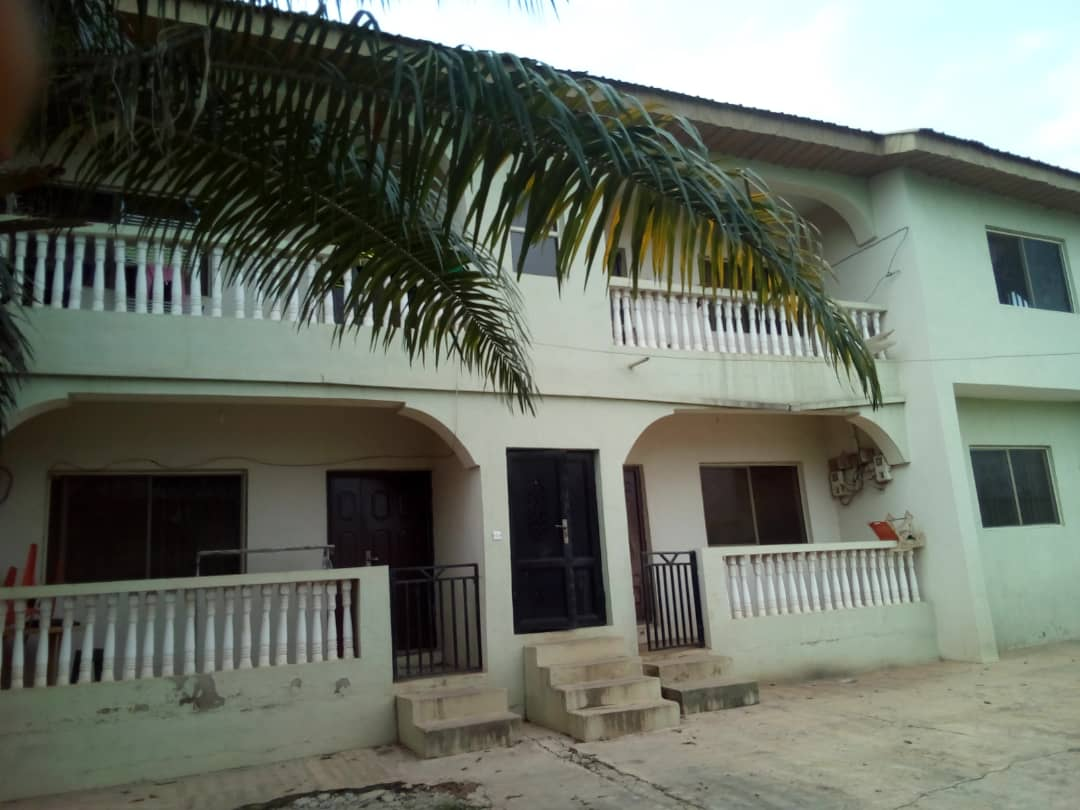 4 flat house for Sale
