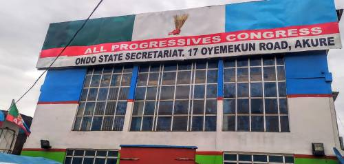 Mob Attacks APC Secretariat In Ondo